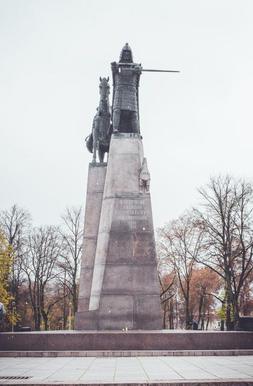 Prancūzijoje Heraklio statulai pagaminta nuimama varpa - LRT