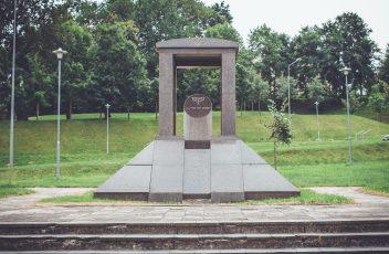 paminklas zydu holokausto