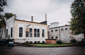 popieriaus fabrikas-nauju verkiu